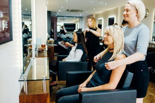 Salon Station - Look Inside
